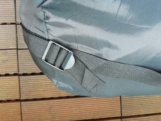 ホークギアの寝袋のベルクロ