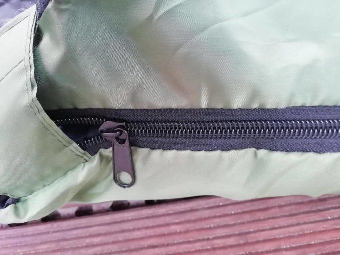 ホークギアの寝袋のジッパー